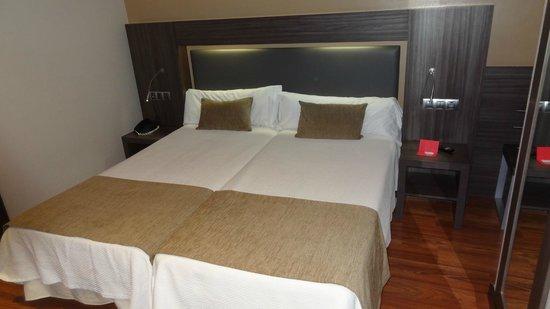 Hotel Oasis: HABITACION