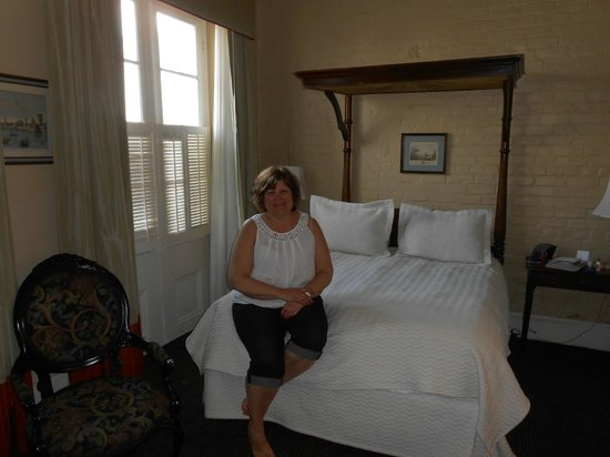 Hotel Provincial: Our room
