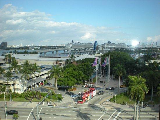 Holiday Inn Port of Miami Downtown: Vista hacia el puerto
