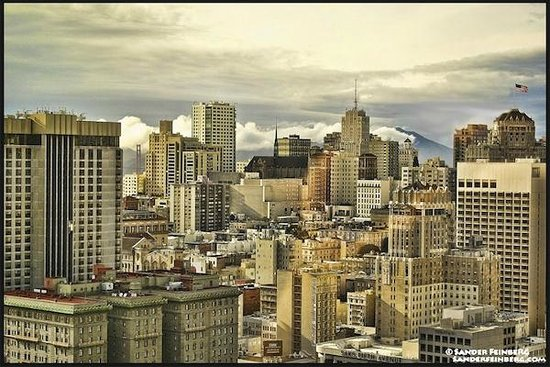 San Francisco Marriott Marquis: View from 39th Floor Lounge