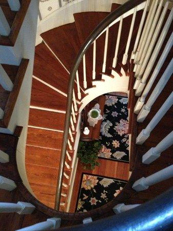 Bloomsbury Inn: Beautiful Stairwell