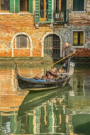 Venice Photo Tours with Arved Gintenreiter: A mid-day scene