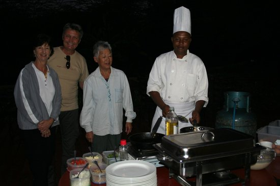 Tloma Mountain Lodge, Tanganyika Wilderness Camps: Very early breakfast