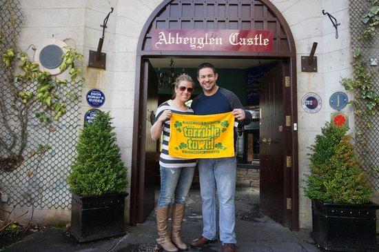 Abbeyglen Castle Hotel : Outside the entrance
