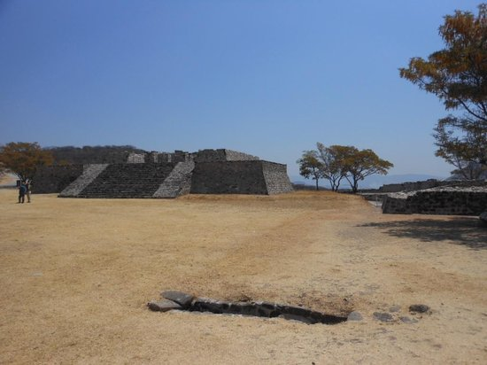 Archaeological Zone of Xochicalco : ciudadela