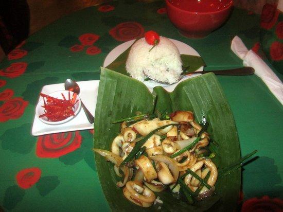 Thai Brasil: Pedi a lula com arroz de jasmim. Delicioso!