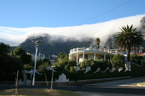 De Tafelberg Guesthouse : Table mountain view from room