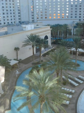 Monte Carlo Resort & Casino: Vista das piscinas -