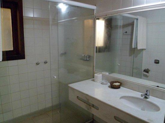 Hotel La Foret: el baño impecable