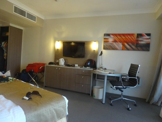 DoubleTree by Hilton Hotel Cairns : King Room with Ocean View 2
