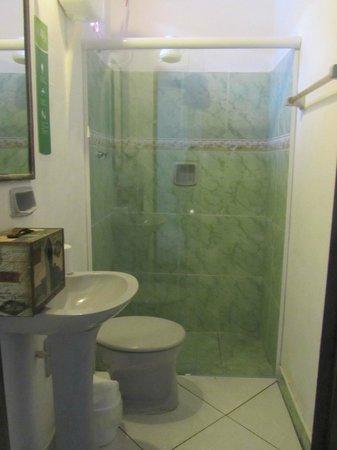 Che Lagarto Hostel Paraty: Banheiro da suite
