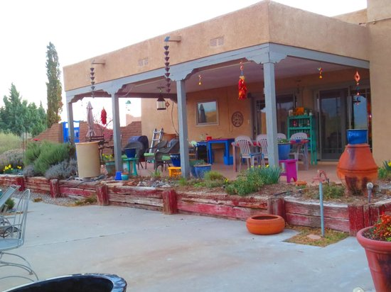 Corrales, Nuevo Mexico: The outdoor sitting area