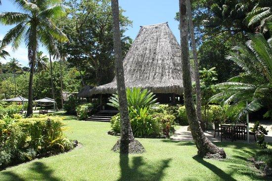 Qamea Resort And Spa Fiji: Main Bure - dining and bar