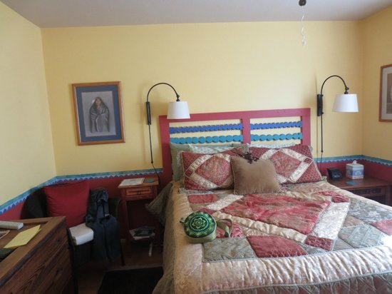 Chocolate Turtle Bed and Breakfast : The Roadrunner Room