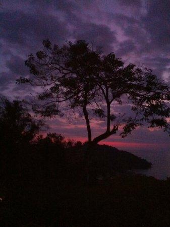 Tulemar Resort : Sunset from the restaurant