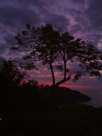Tulemar's Buena Vista Luxury Villas: Sunset from the restaurant