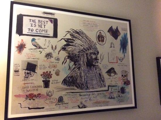 Thompson Chicago, a Thompson Hotel : quirky wall art