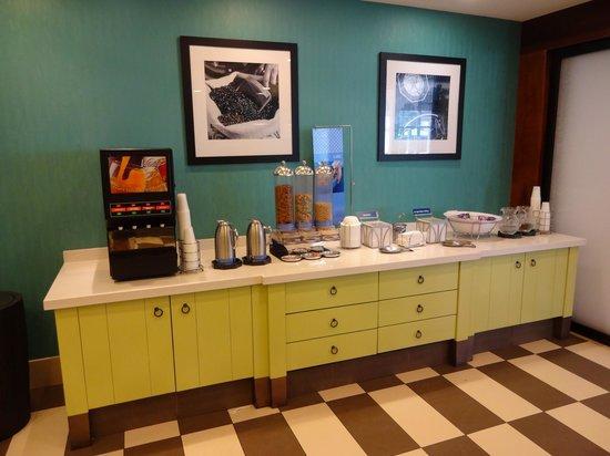 Hampton Inn & Suites San Juan: Breakfast
