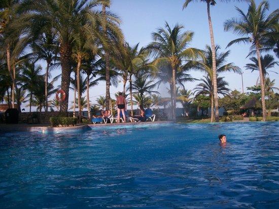 Isla Caribe Beach Hotel : hotel