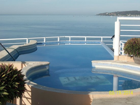 Hotel Suites Nadia Bucerias: Who wouldn't want to swim here?