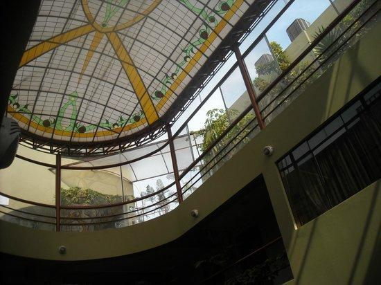 Faraona Grand Hotel : patio central