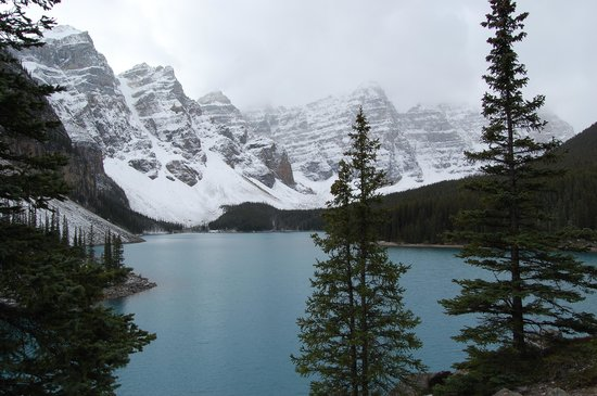 Moraine Lake Lodge: views