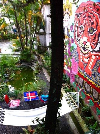 Urban Buddha Hostel Medellin: Terraza