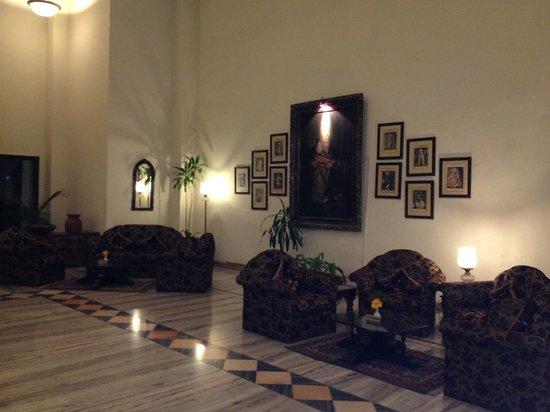 Hotel Usha Bundela: Lobby Area