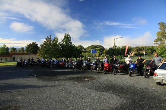 Tumut Valley Motel : Our riding group