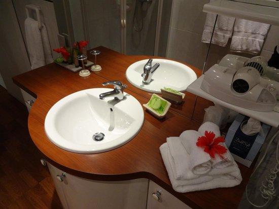 Le P'tit Morne Hotel: Bath