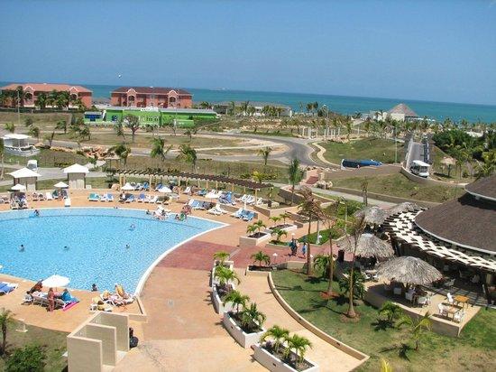 Piscine vue de l 39 h tel picture of hotel melia marina for Piscine varadero