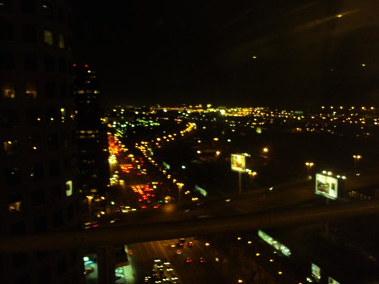 Emperador Hotel Buenos Aires: Vista noturna - 2011