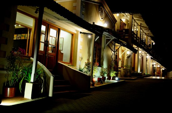 Zest Danish Villa : Resort @ night