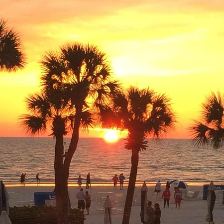 The Don CeSar : The perfect sunset.