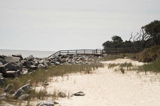 Villas by the Sea Resort & Conference Center : Beach