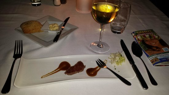 Le Carre: the sashimi-style beef hors'oeuvre