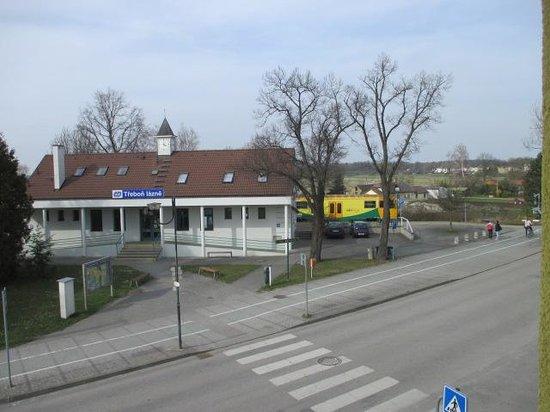 Apartmany Na Seniku : The small train station and bike rental taken frm my window.  Train is in station