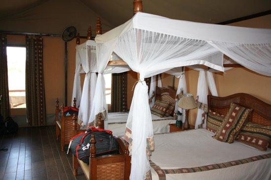 Kilima Safari Camp: Inside of our tent