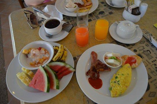 The Old Phuket: завтрак