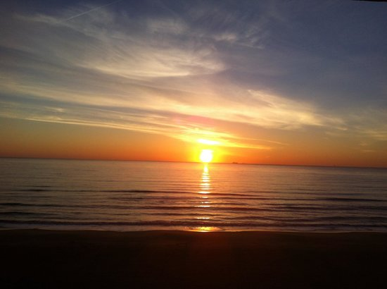 Days Inn Virginia Beach at the Beach : I've got about 30 days of sunrise pics.