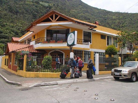 La Floresta Hotel: Exterior of hotel