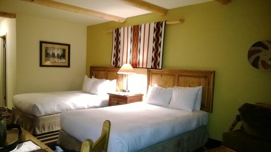 The Lodge at Santa Fe: Double beds