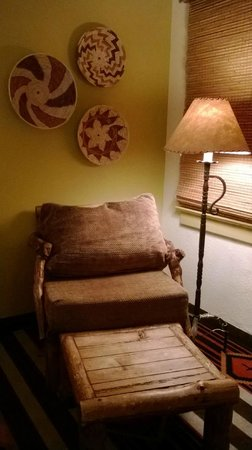 The Lodge at Santa Fe : Reading chair