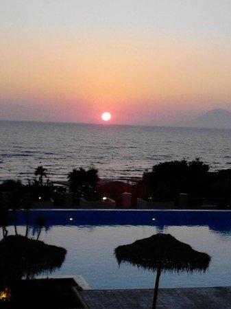 Grecotel Olympia Oasis: Βλεποντας την δυση στο Ιονιο