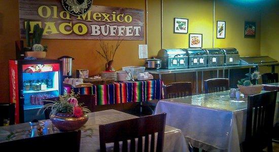 Old Mexico Taco Buffet : Simple and unique decor