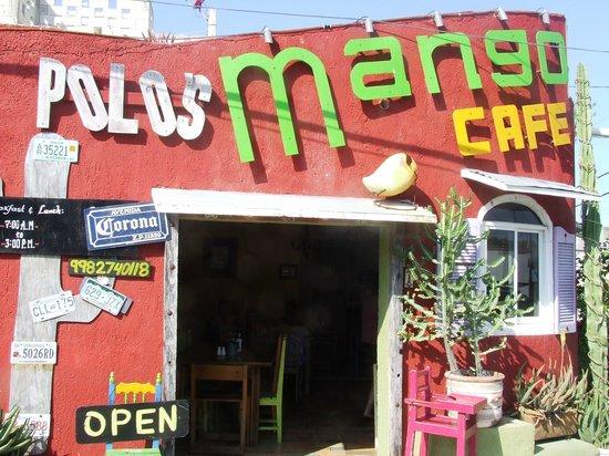 Mango Cafe: Isla Mujeres Great Breakfast Location