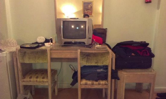 Emilio Hotel : old tv