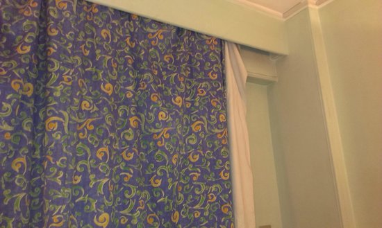 Emilio Hotel: curtain off it,s rail