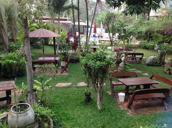 Sabai @ Kan Resort: gardens /c  pool area in background