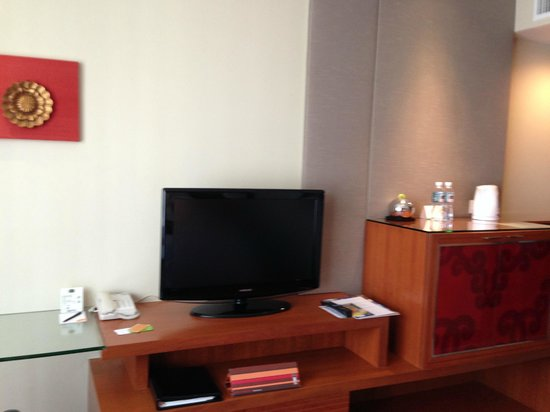 Courtyard by Marriott Bangkok : TV :)
